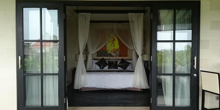 Amaris Bedroom